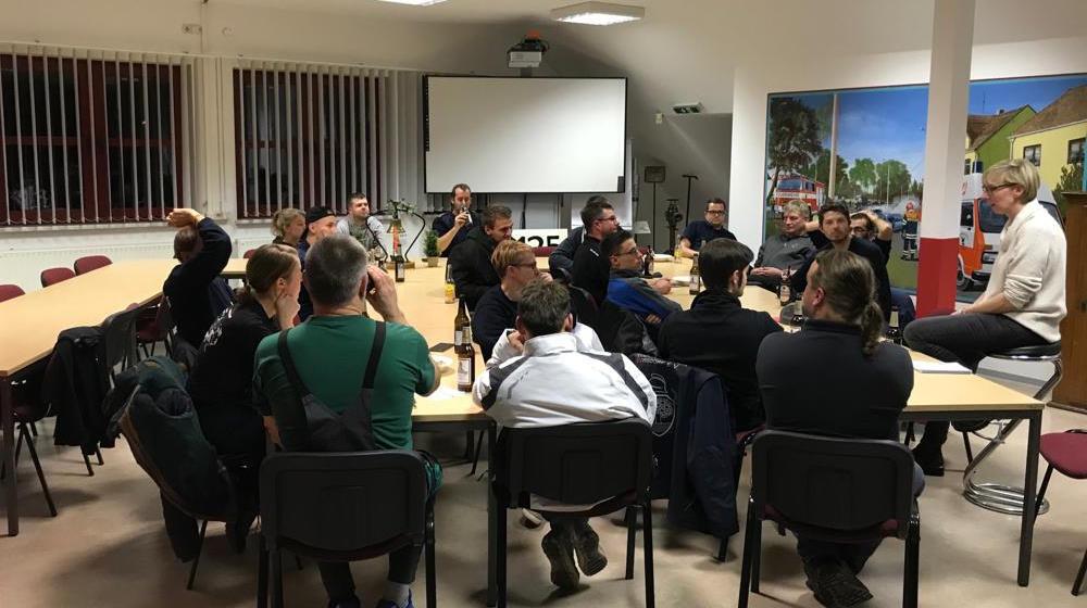 Besuch bei den Kameradinnen und Kameraden der Borsdorfer Ortsfeuerwehr am 18.11.2019