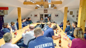 Besuch bei den Kameradinnen und Kameraden der Zweenfurther Ortsfeuerwehr am 29.11.2019